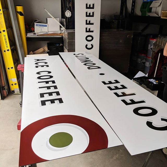 4 new sign boards for @acecoffeeroasters ! Check them  out at @bountifulfarmersmarketyeg opening soon. Thanks to @brandtify for the branding and getting me involved in this one. And @missembiagi for the superb assistance! 💪💣💥 . . . . . . . . . . . . . . #alwayshandpaint #signpainting #signpainter #edmonton #calgary #alberta #yegdesign #yycdesign #yegartist #yycartist #letters #goodtype #typewip #typegang