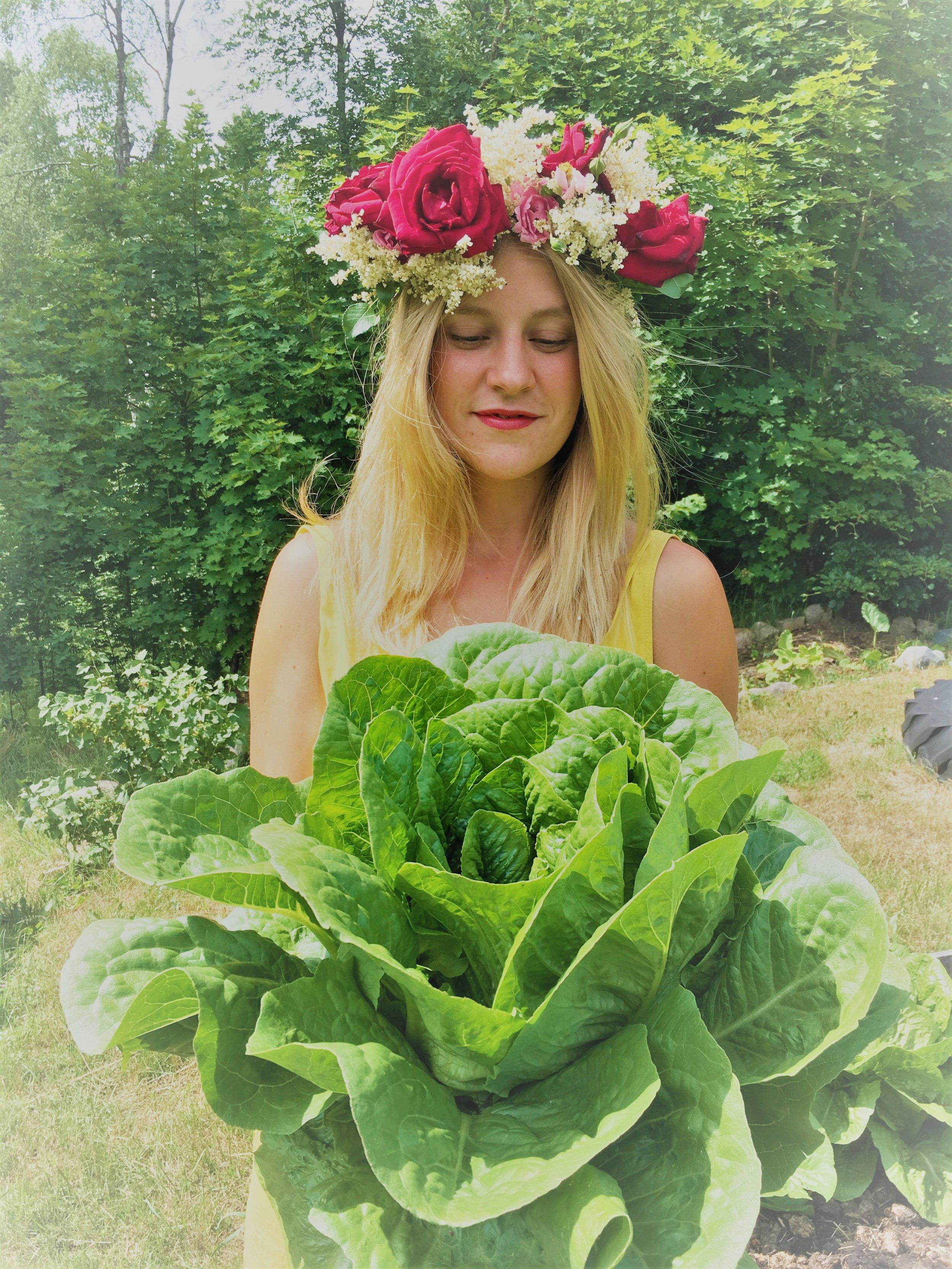 Jag heter Olga och äger Kvarnen Kornhult. Tillsammans med min underbara personal ser vi fram emot att välkomna dig hit!