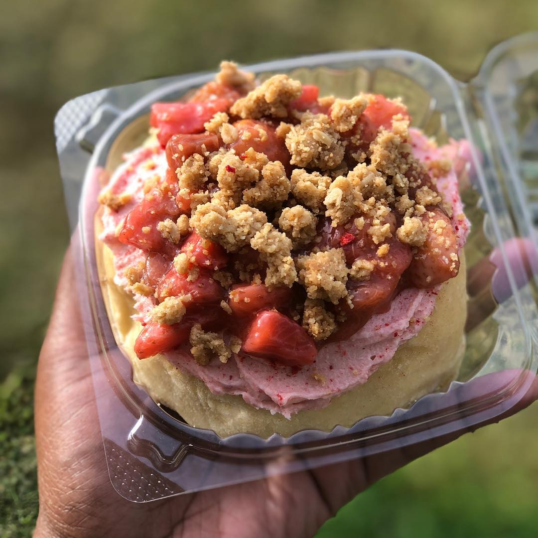 Featuring: Strawberry Rhubarb Fruit Topping, Strawberry Frosting & Oat Crumble