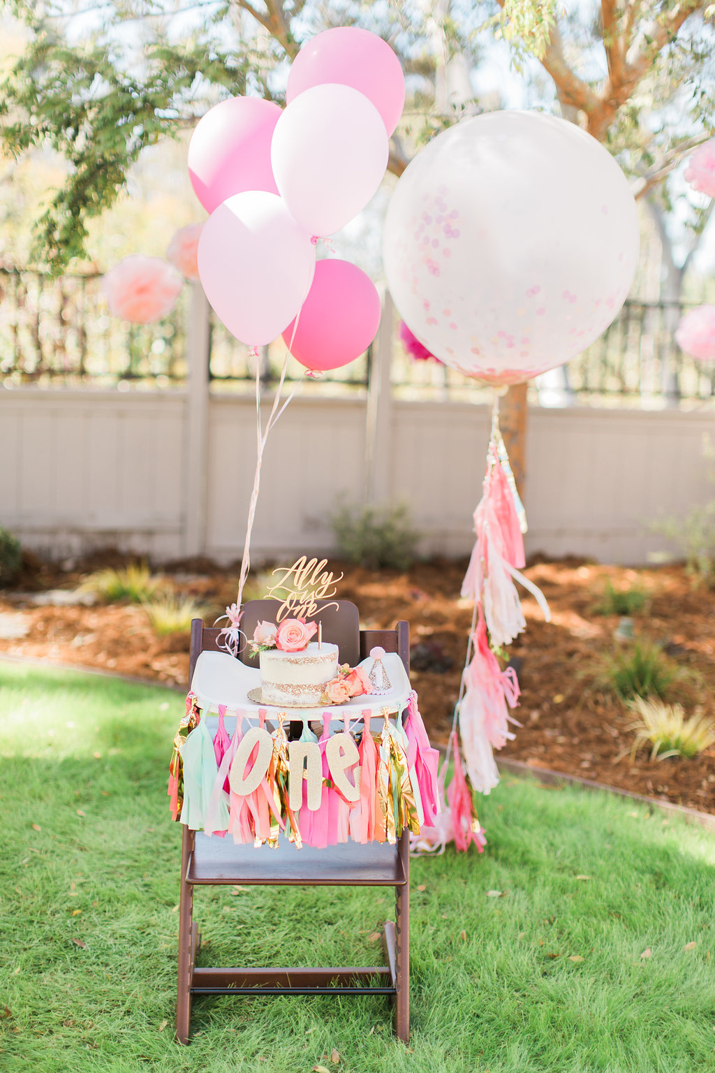 The hostess knew she wanted to embrace the bright, happy spirit of her little one year old so the color scheme was a no brainer. Tying in the themes of music as well as cheerful colors achieved the perfect balance of a little bit boho, a little bit preppy and a whole lot of cuteness!