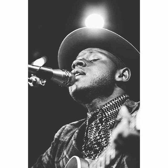 JS Ondara performs at Leon Loft 8-01-19. This Kenyan born singer-songwriter was stunning and his story is truly amazing! . . . . . #jsondara #mistylynphotography #leonloft #annarbor #kenyan #singersongwriter #livemusicphoto @jsondara