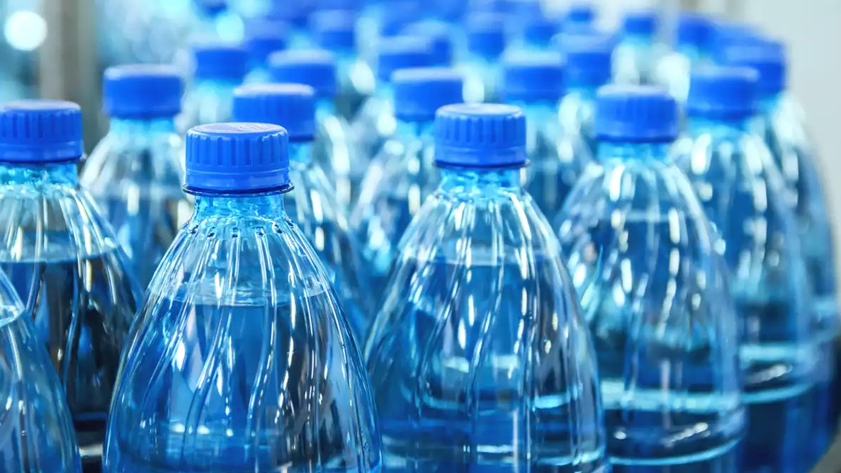 4. are people really eating plastic? - You guessed it. :)Plastic has landed on our plates in more foods than you might expect. An article from The Conversation shares which groceries a collection of studies have deemed likely for plastic consumption.