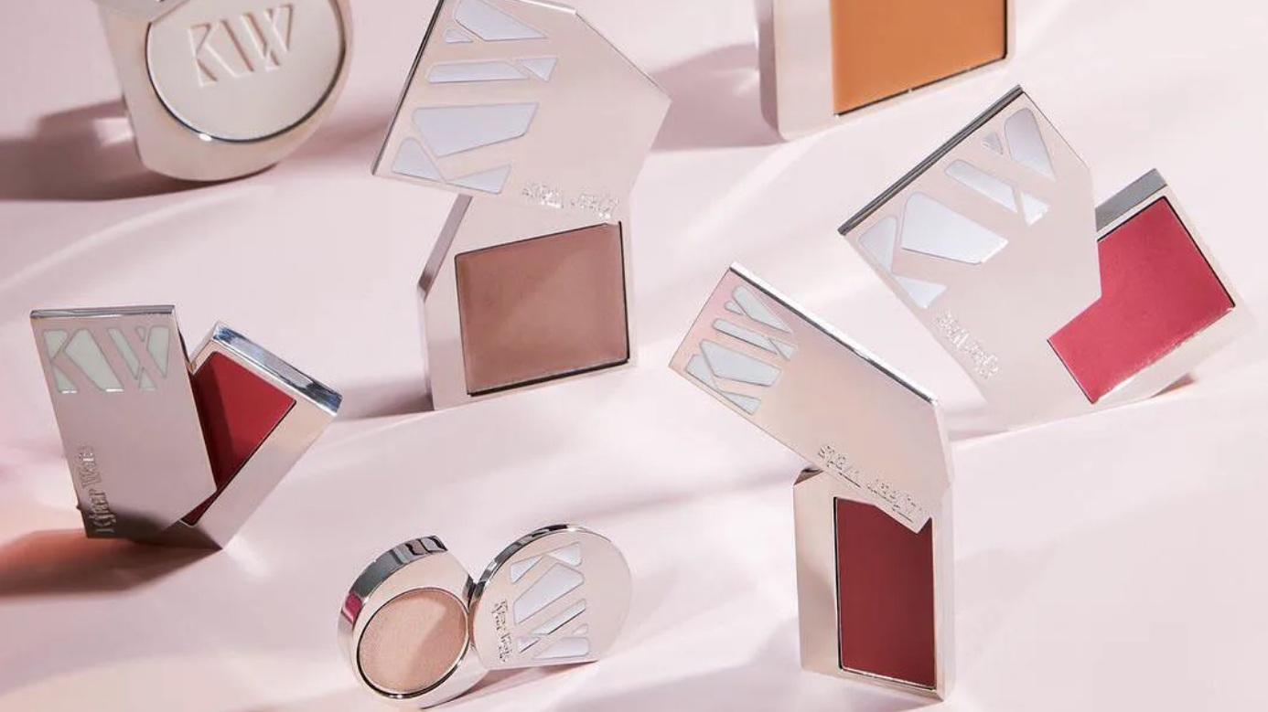 1. the beauty industry's eco shift. - None of us want to quantify how many plastic beauty tubes we've sent to landfill in our lifetimes, BUT we can learn more about how the beauty industry is painting a brighter future across many elements.