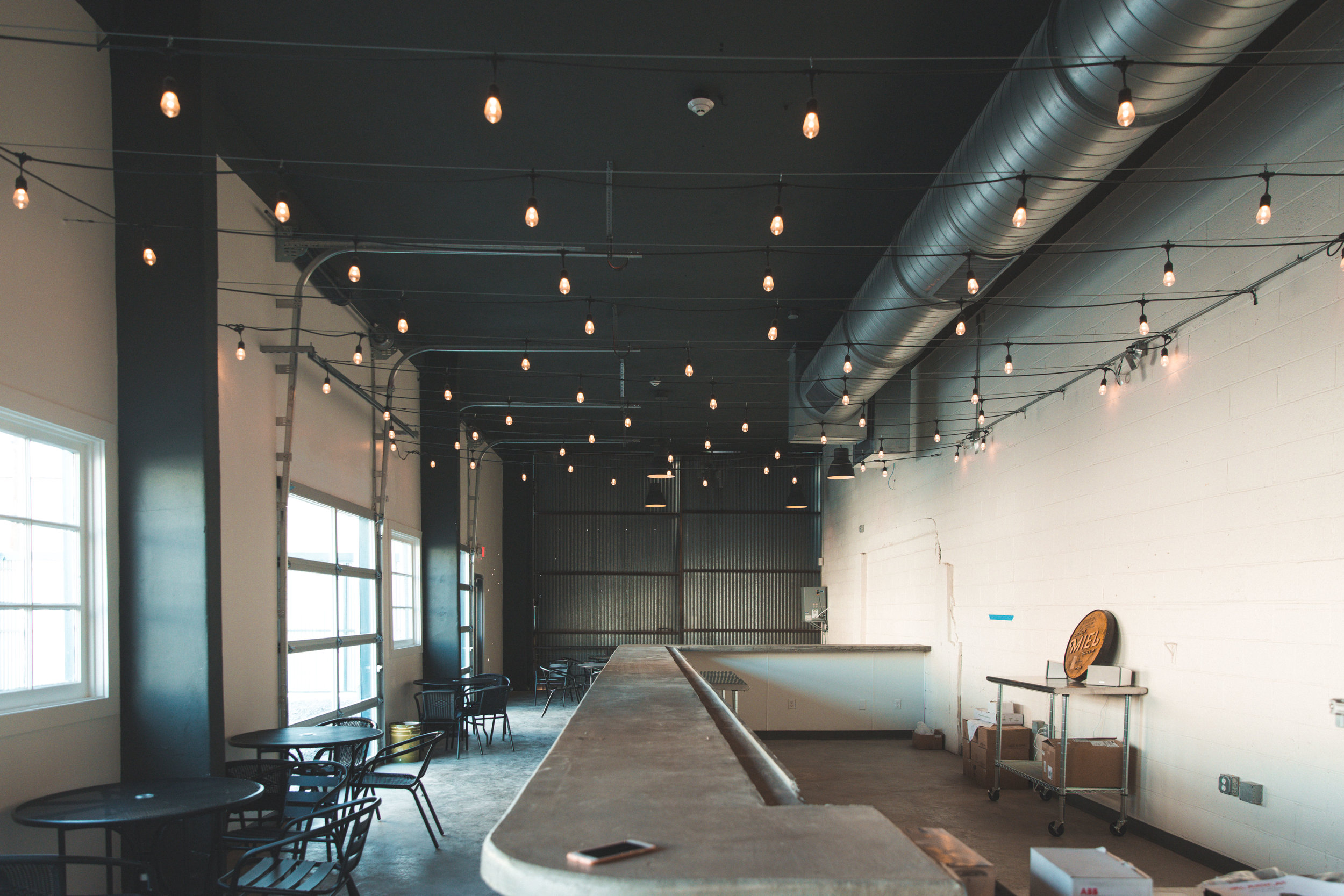 New Orleans_Miel Brewery_July 2018_Taproom view 1