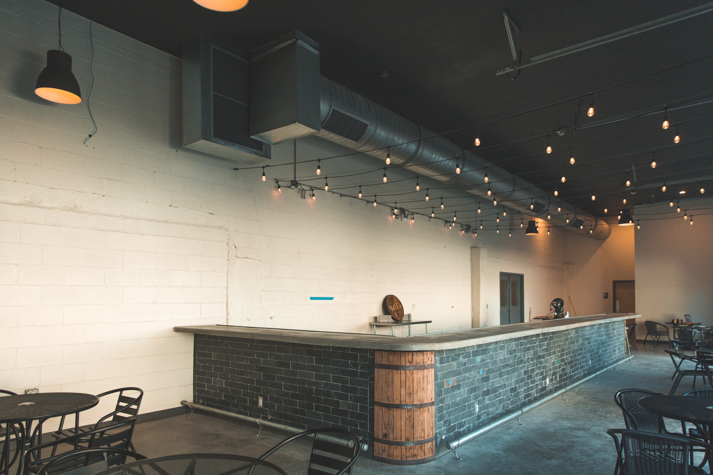 New Orleans_Miel Brewery_July 2018_Taproom view 2