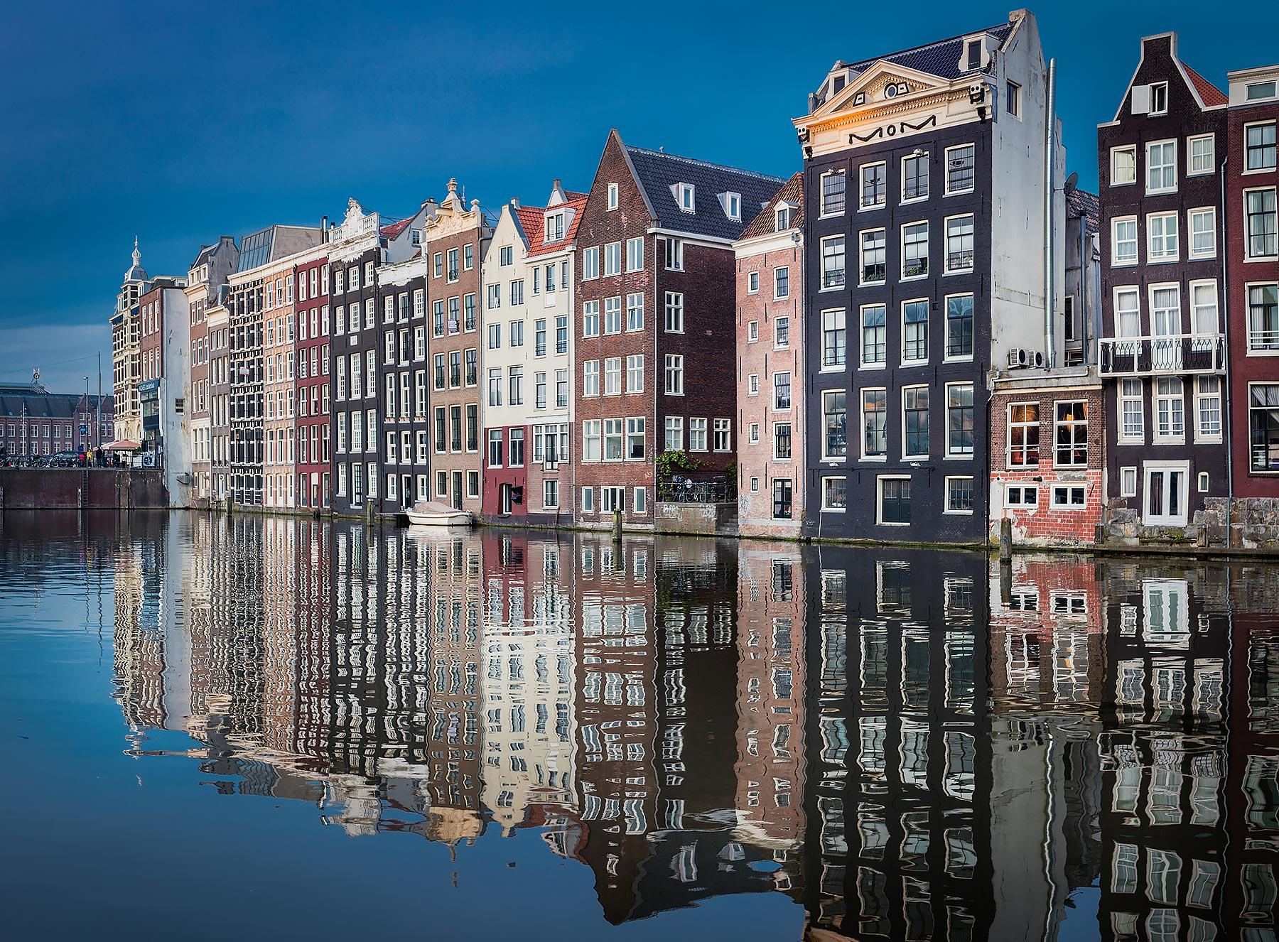 amsterdamhouses.jpg