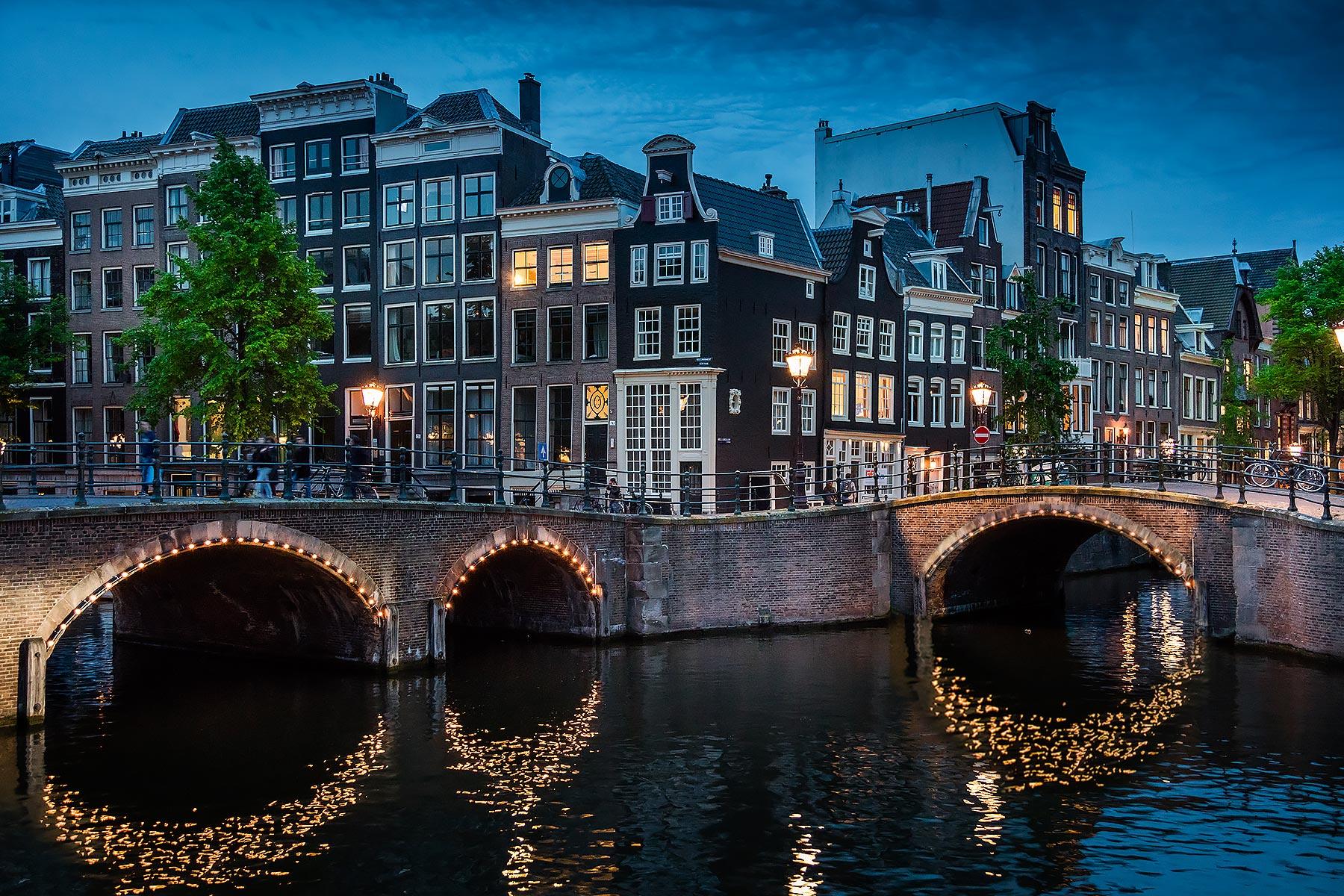 amsterdambridge.jpg