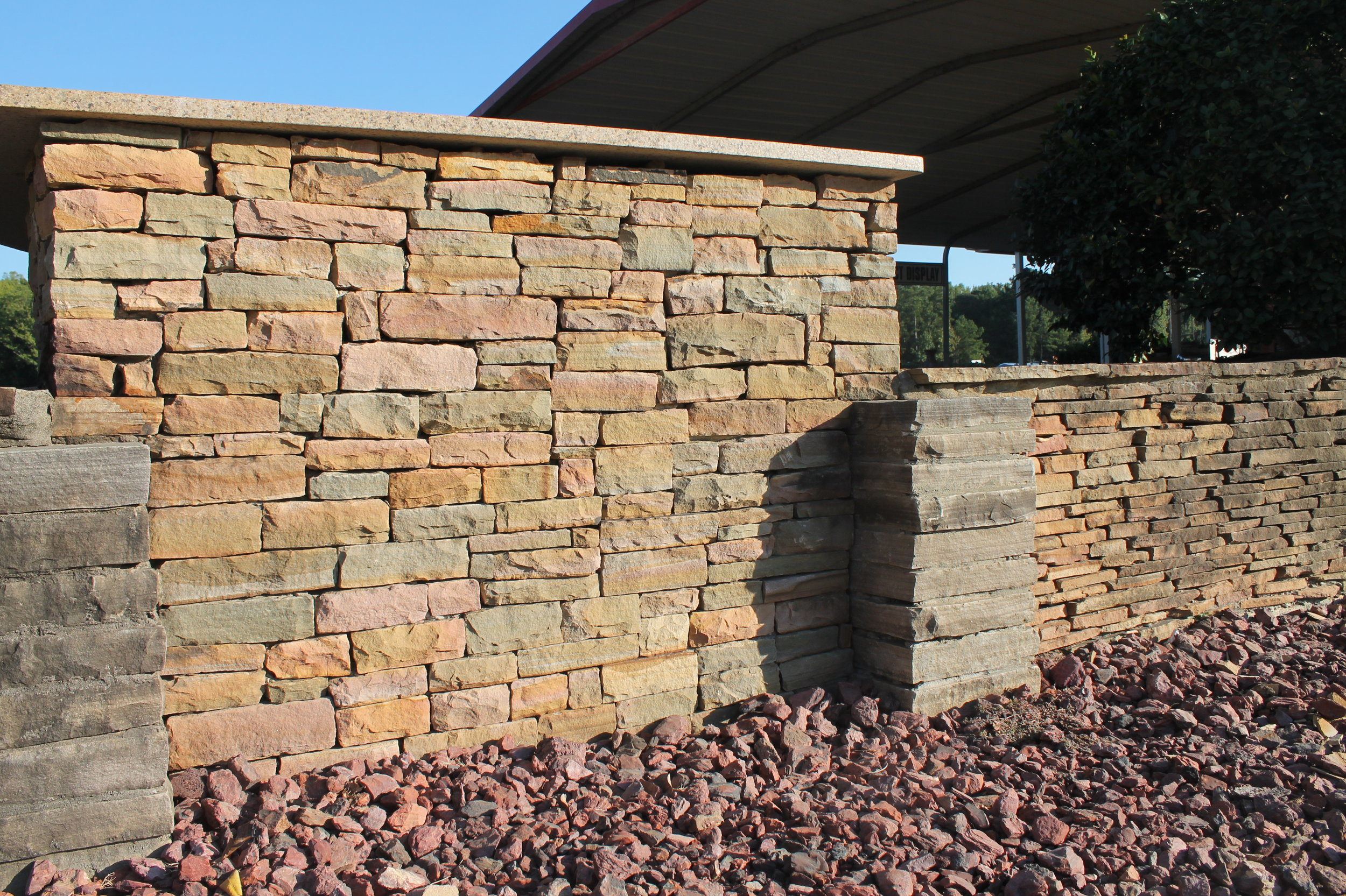 Stacking Flagstone Wall Installation