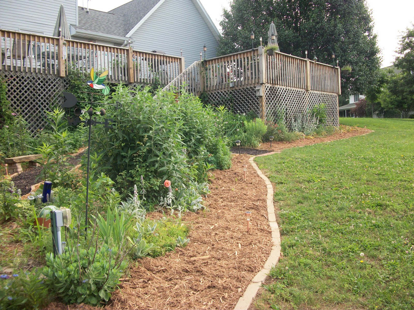 Cypress Mulch Installation
