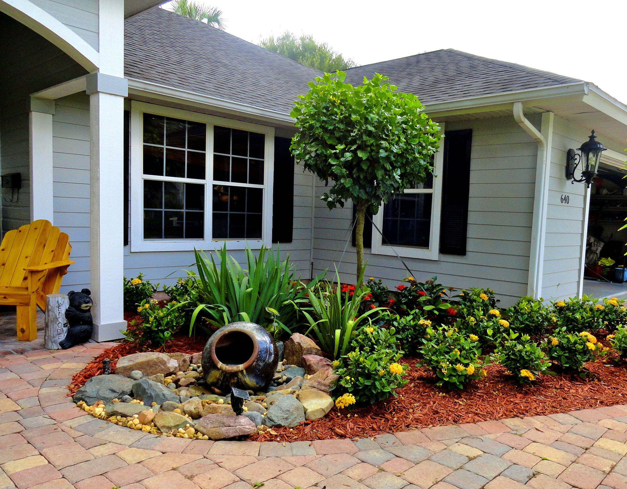 Front garden with Red Carpet mulch