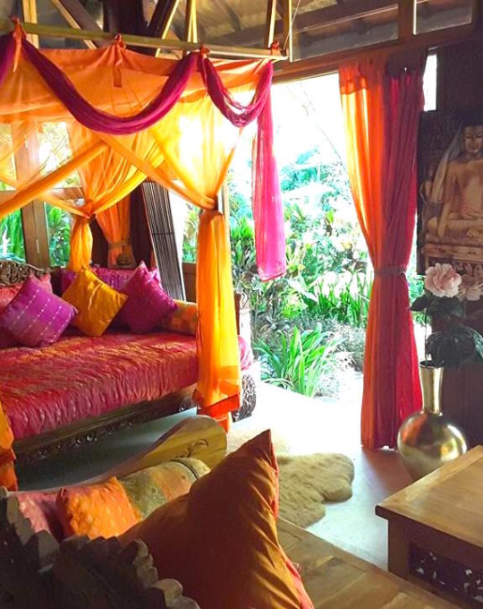 The rooms are all colorfully decorated with Balinese style!
