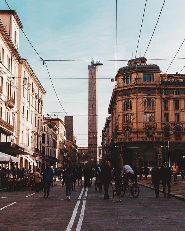 In giorni come questi. // Bologna • Italia // #italy #italia #bologna #europe #vsco #theoutbound #wanderlust #explorer #adventure #travel #film  #exploretocreate #worldtravelbook #lonelyplanet