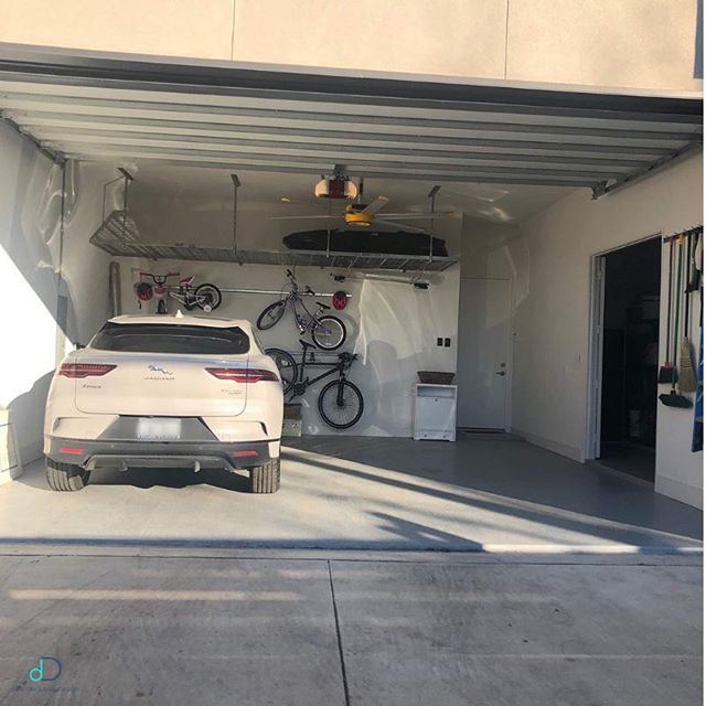 Check out this #MakeoverMonday, garage edition! We are proud to partner with @thecontainerstore to complete projects like this one! TCS installs the hardware and we make the recommendations for the perfect organizational items for the space! We love this before and after because it really shows how clutter can make a garage look so much smaller and what a little bit of organization can do for a space! If your garage (or any room of your home!) is in need of a makeover, give us a call to make an appointment! 💙 • • • #professionalorganizer #lifestylefrisco #dallasinteriordesign #dallasrealestate #dallasmoms #dallasmomsblog #planomoms #mckinneymoms #organizationideas #dallastx #friscotx #mckinneytx #friscotxnews #friscotxevents #inspohome #closetorganization #friscomoms #allentx #functional #repurposed #dfwrealestate #dallaslife #dallasblogger #garageorganization