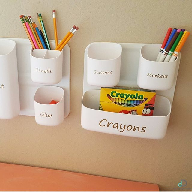 Do your kids have an art or drawing corner in their playroom? A great way to save space and prevent things from getting knocked over is by installing storage on the wall as seen here! This maximizes their desk space and your sanity! Clean up is easy and everyone is happy! If you're in need of some playroom organization this summer, give us a call, it's 10% off all month long! 💙 • • • #professionalorganizer #lifestylefrisco #dallasinteriordesign #dallasrealestate #dallasmoms #dallasmomsblog #planomoms #mckinneymoms #organizationideas #dallastx #friscotx #mckinneytx #friscotxnews #friscotxevents #inspohome #closetorganization #friscomoms #allentx #functional #repurposed #dfwrealestate #dallaslife #dallasblogger