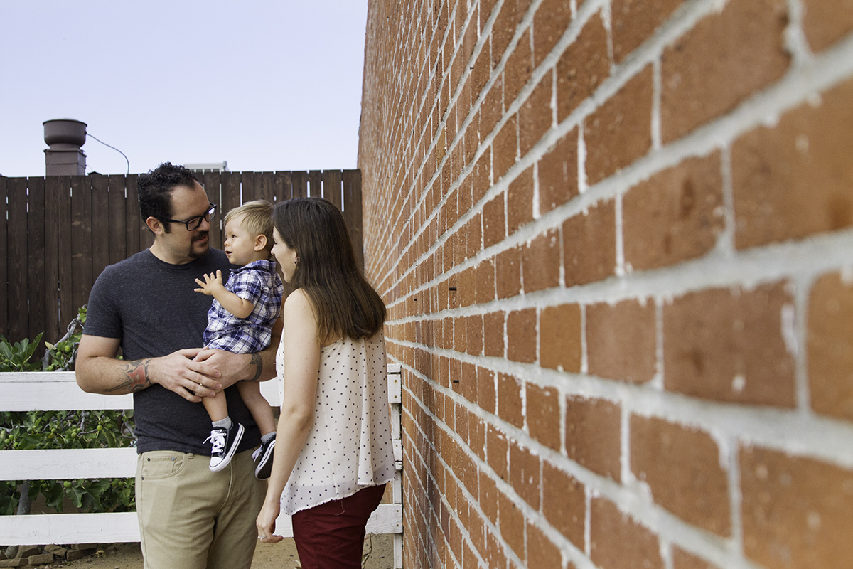 family_photos_red_brick_san_diego.jpg