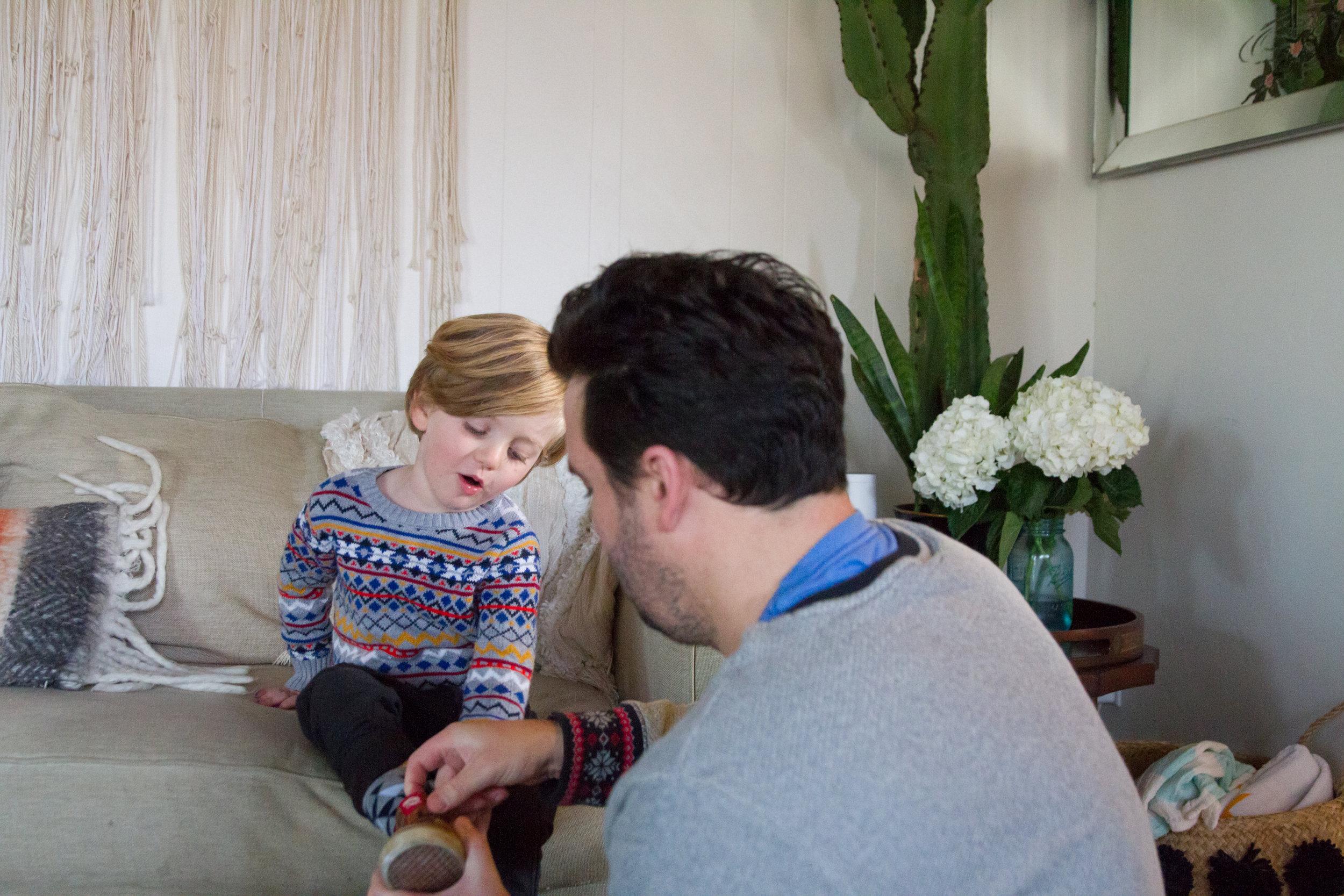 indoor-family-photos-plants.jpg