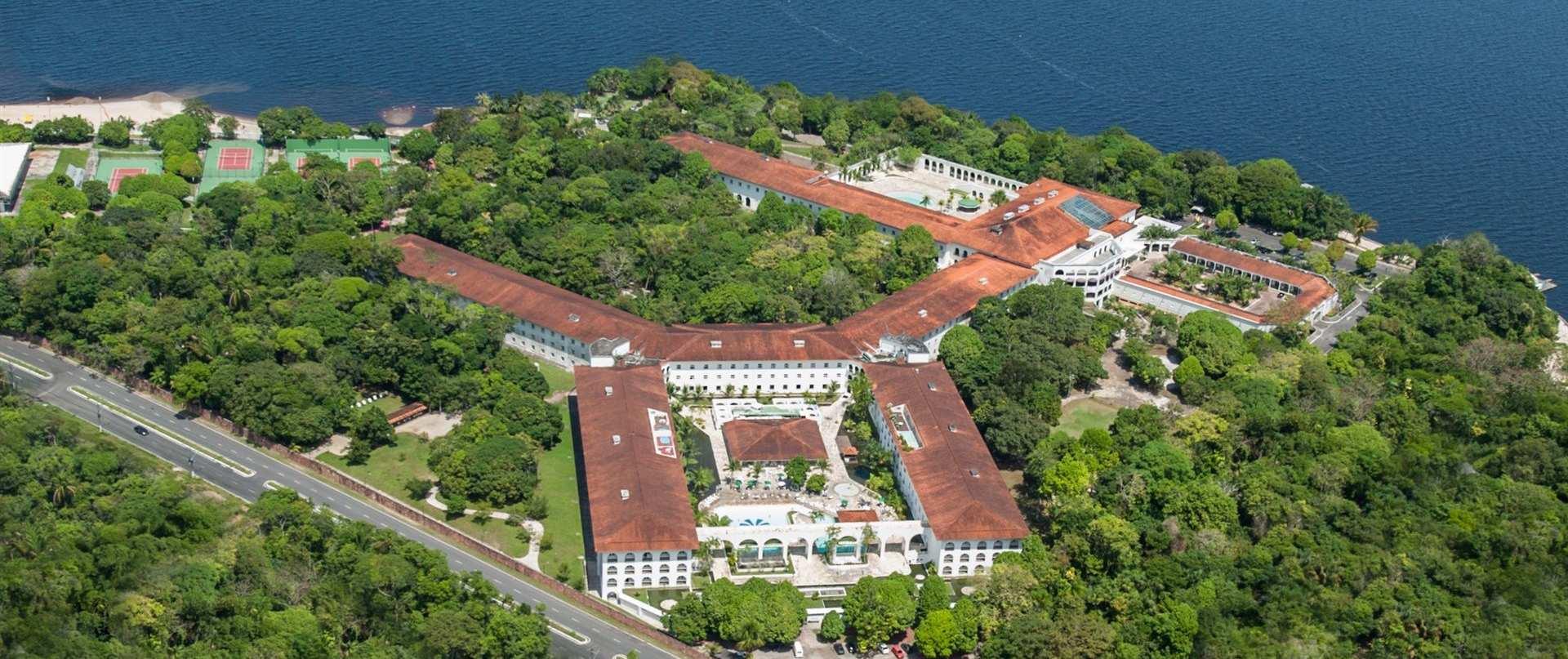 Brazil-Beach-House-Tropical-Manaus.jpg