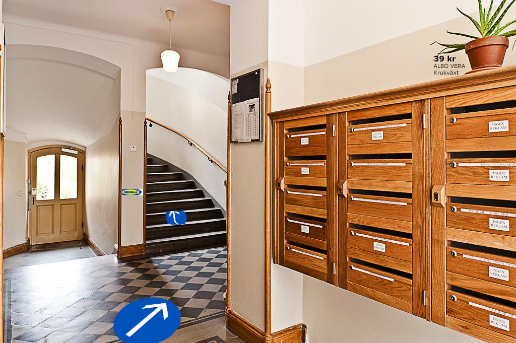Staircase + Mingla.jpg