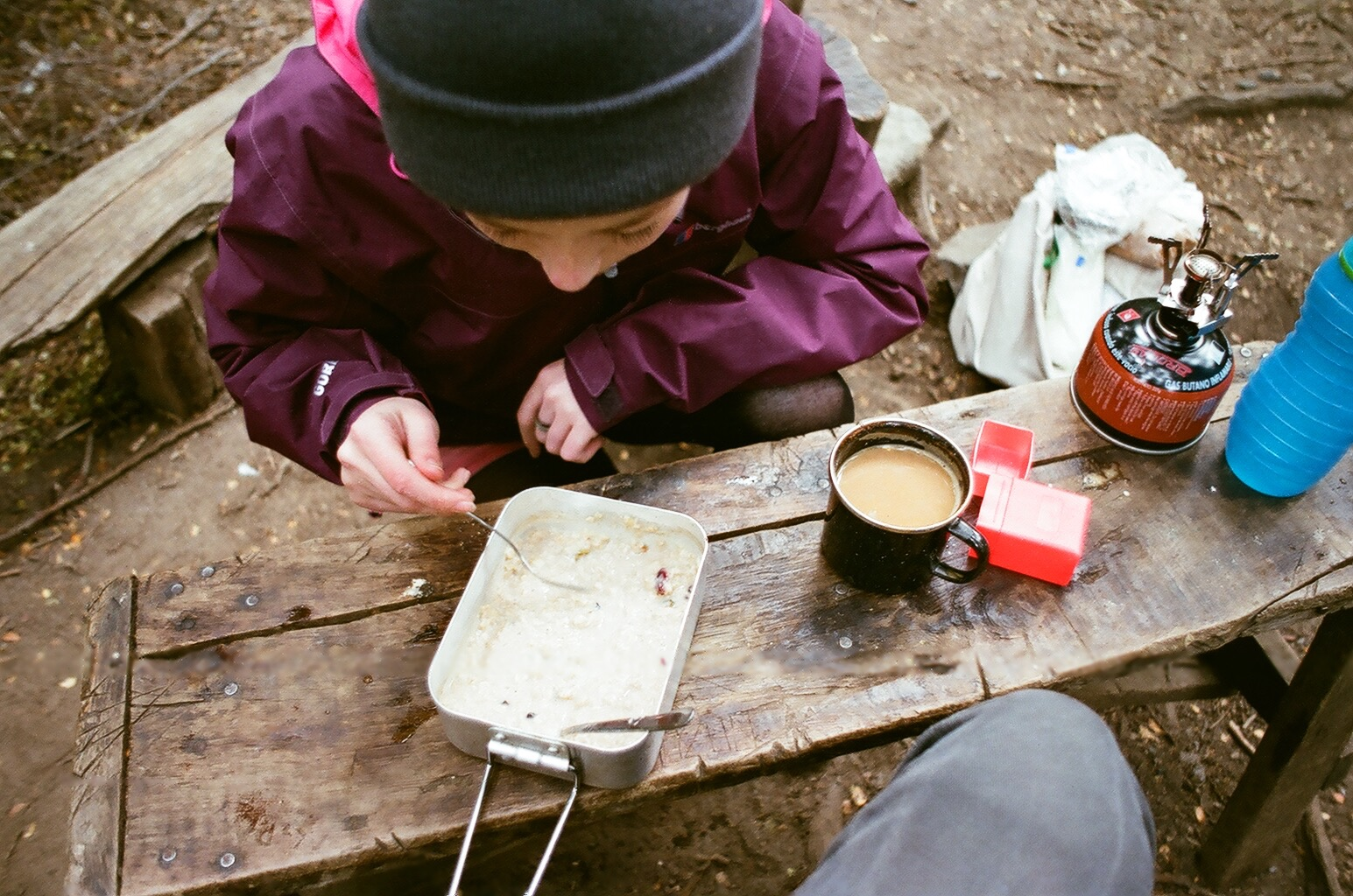 The rewards of cooking breakfast on the camp stove, porridge and tea!