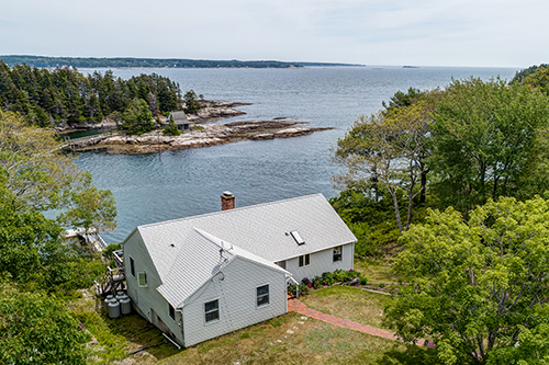Merwick Cottage       Vacations (207)633-6545