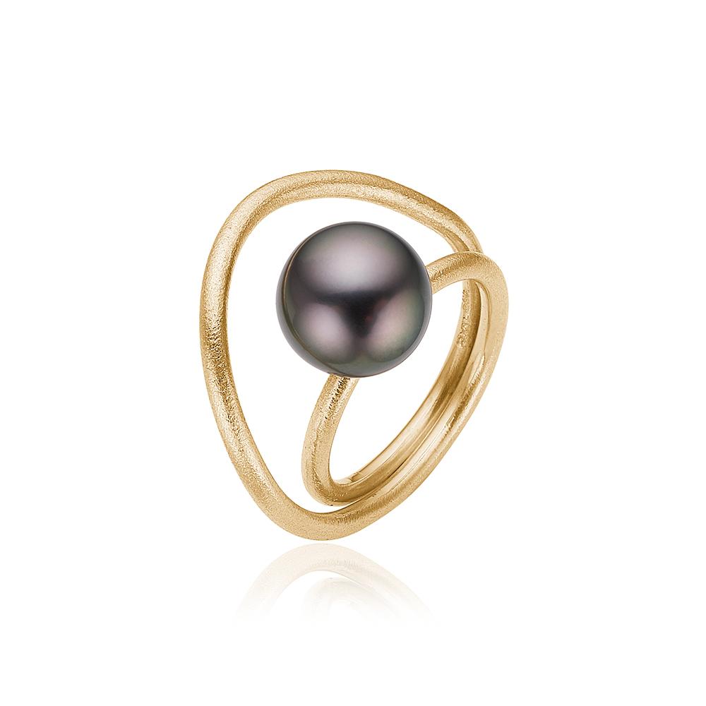 Guld ring med tahitiperle.