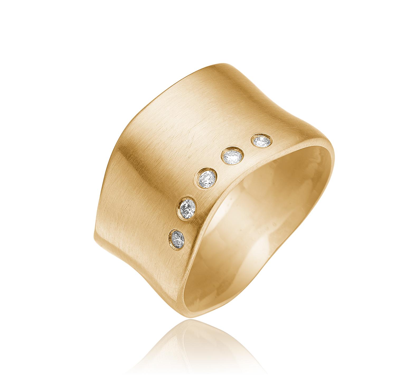 Guld ring med 5 stk. 0.02 ct diamanter.