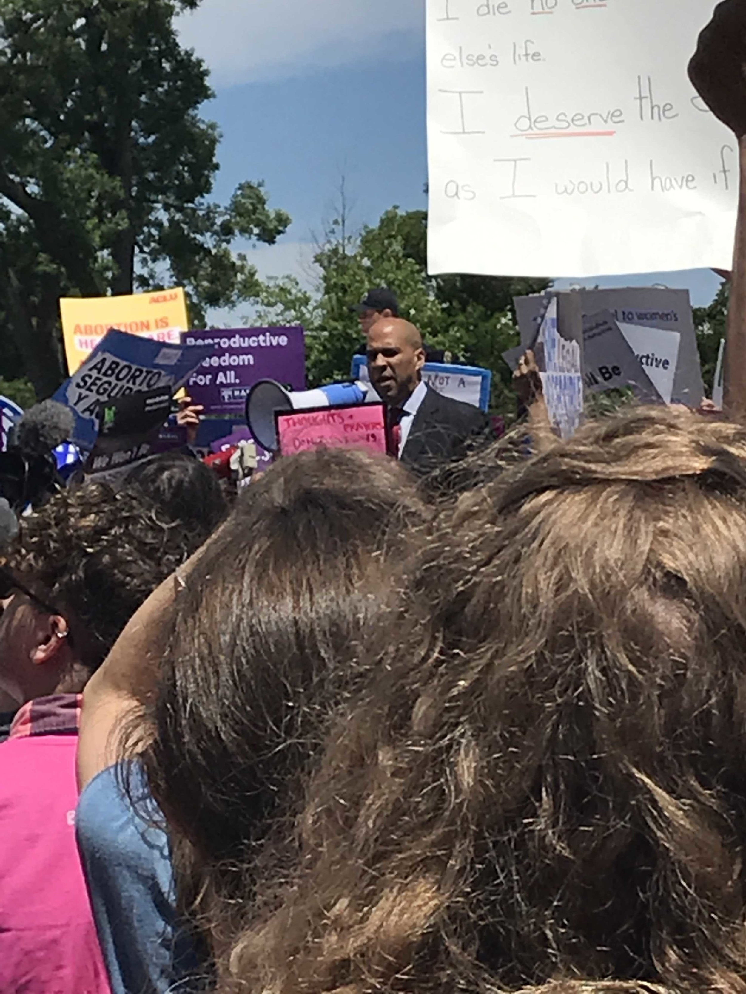 Cory Booker, Chuck Schumer, Pete Buttigieg, Kirsten Gillibrand, and many other Dems spoke at the abortion rally. (May 2019)