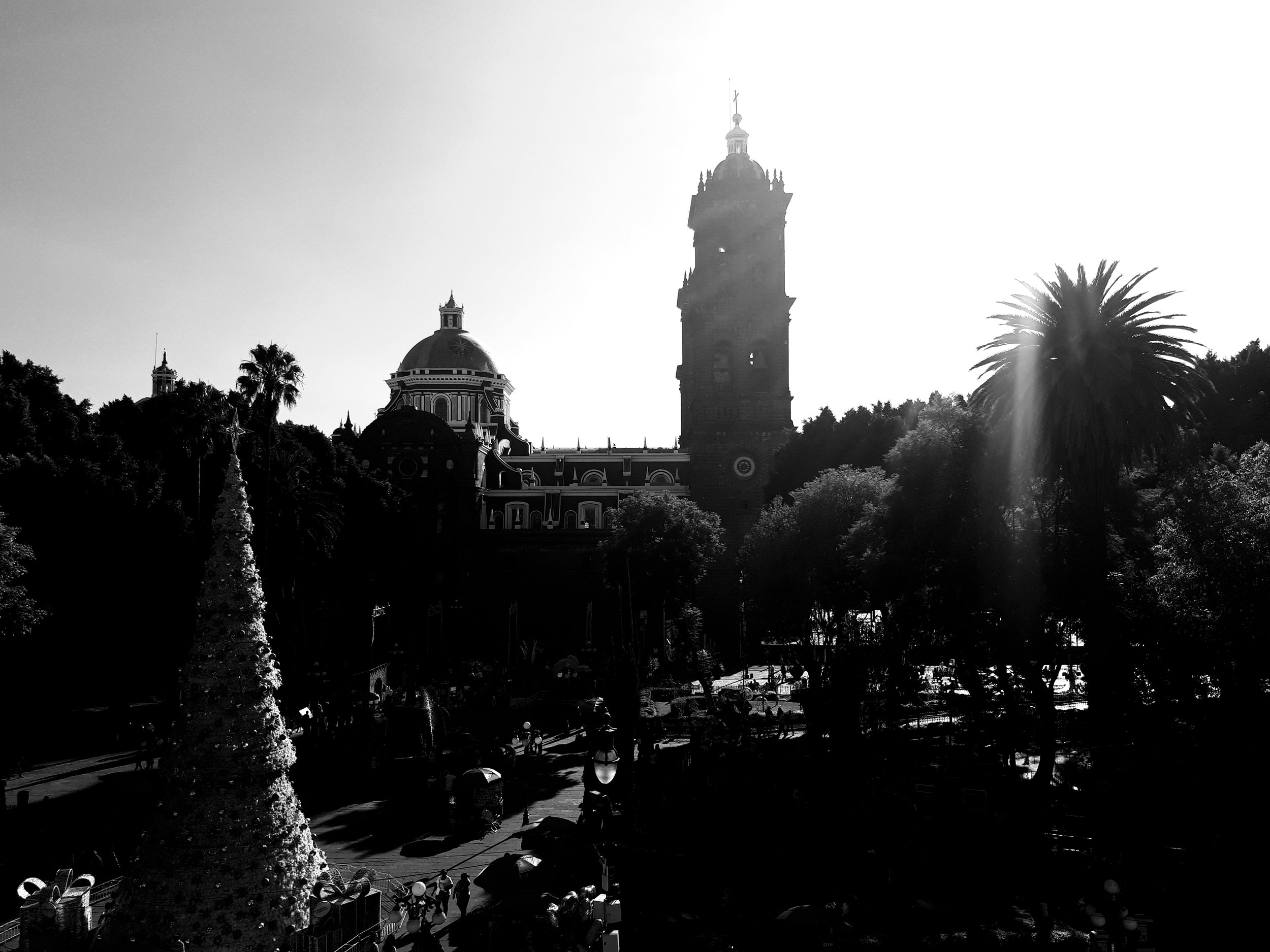 View of Puebla's beautiful Cathedral and Zocalo. (Photo credit: Chiara Ziletti)