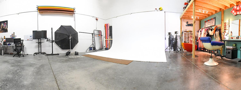 littleskullphotography_studio.jpg