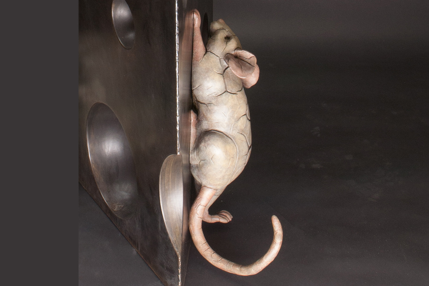 Climbing Up Mouse