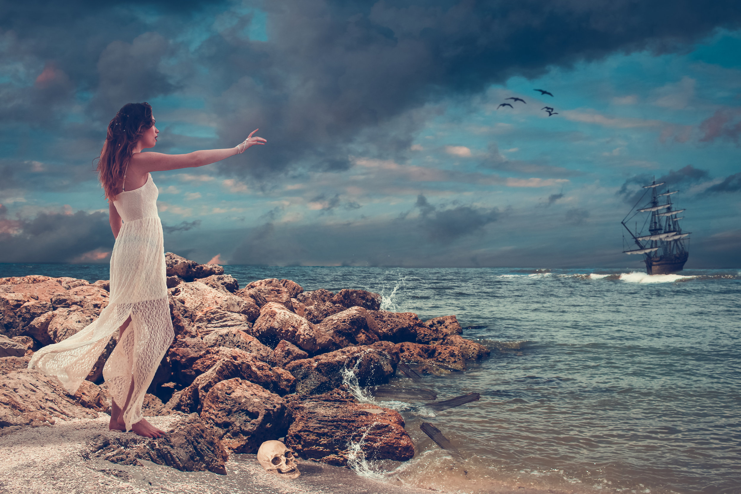 Photographer:    Lisa Gonzales   Country:  USA  Title:  The Siren