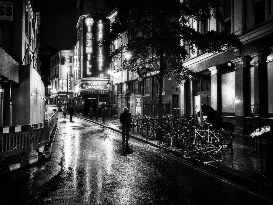 Photographer:  Michael Nozik   Country:  USA  Title:  A rainy, lonely night in London