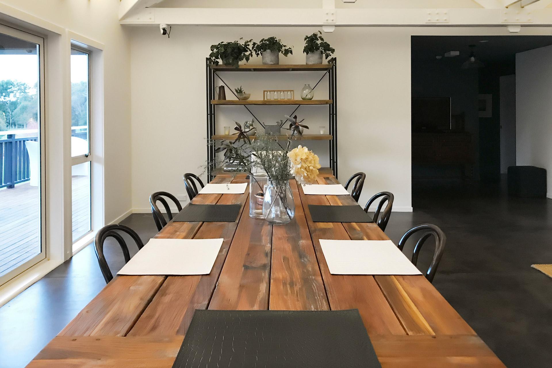 HUS Art Farm Dinning Table