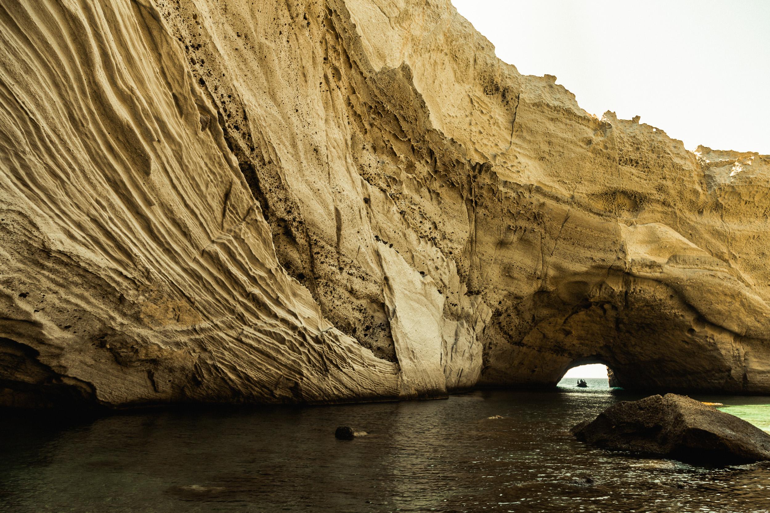 06-milos-greece-island-cyclades-boat-anna-elina-lahti-photographer.jpg