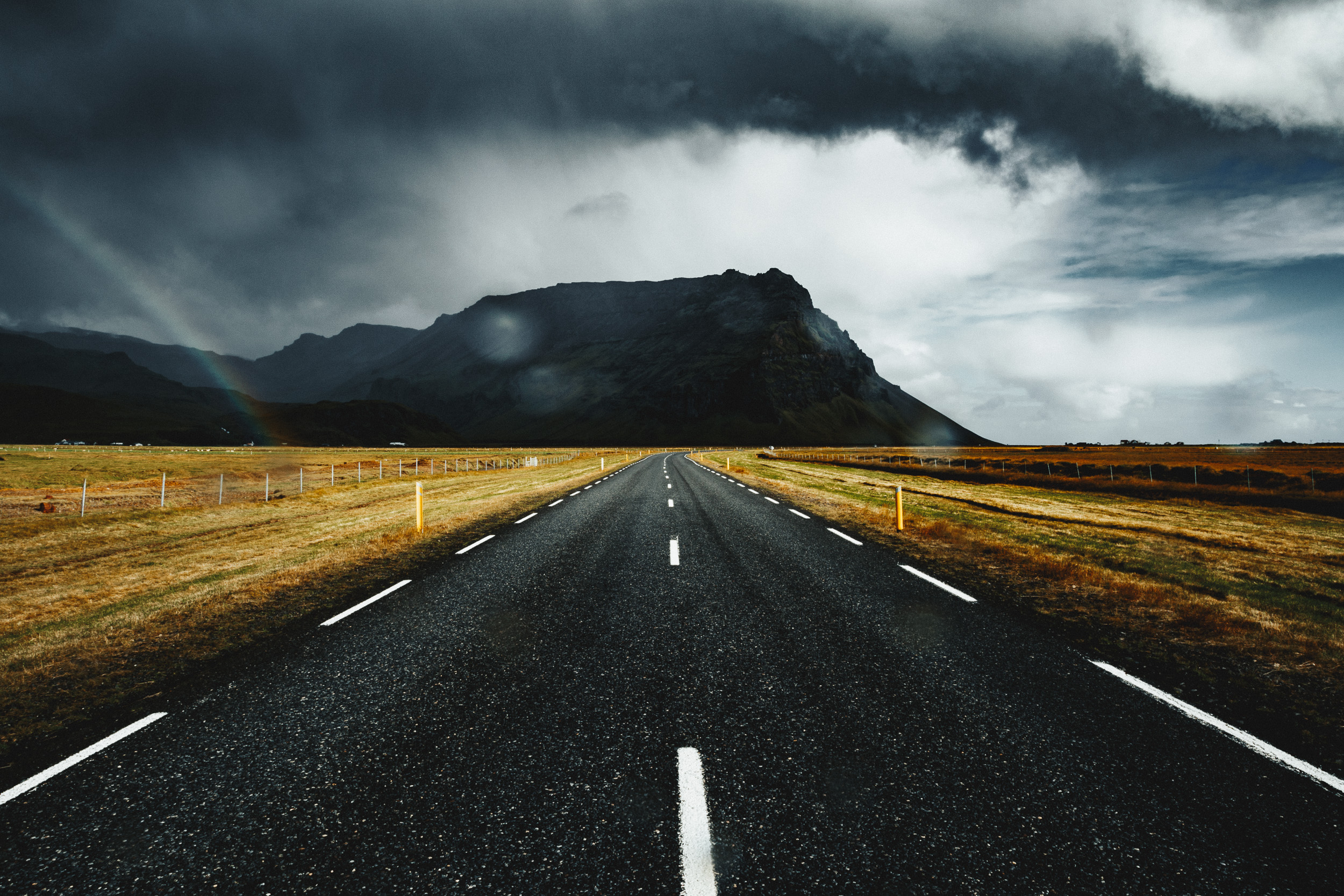 37-iceland-road-trip-rainbow-mountain-anna-elina-lahti-photographer.jpg