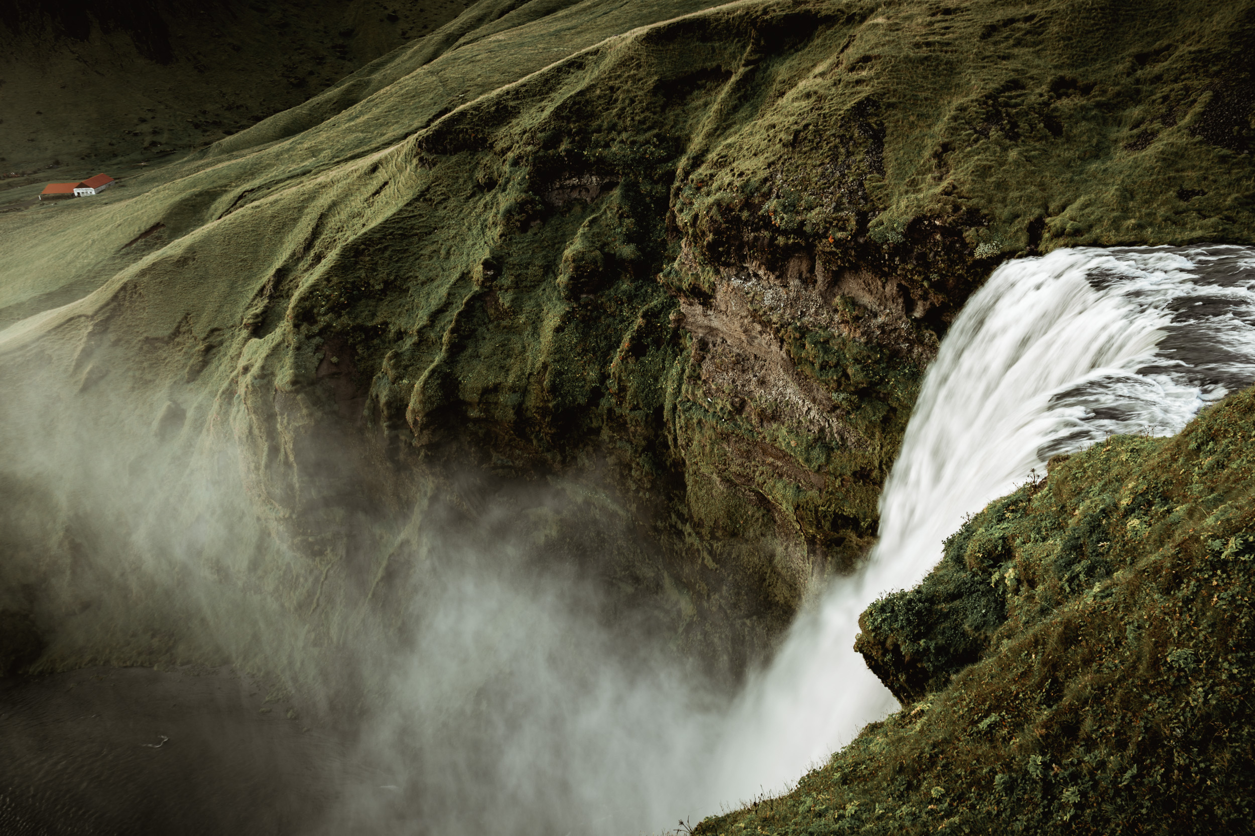 19-iceland-skogafoss-waterfall-anna-elina-lahti-photographer.jpg