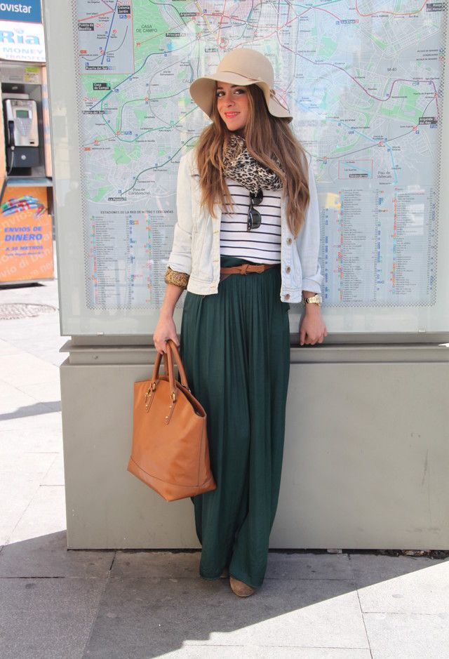 Maxi-skirt-and-a-big-hat.jpg