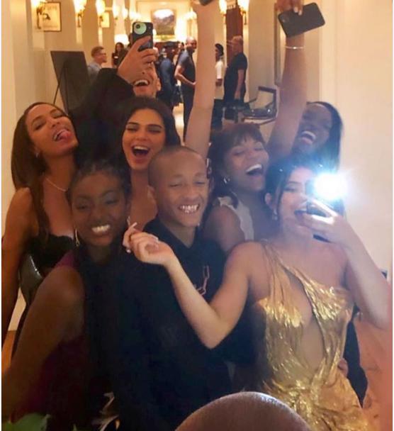 Kylie having a blast at the Bieber/Baldwin wedding Sept. 30th. via  Akahi News