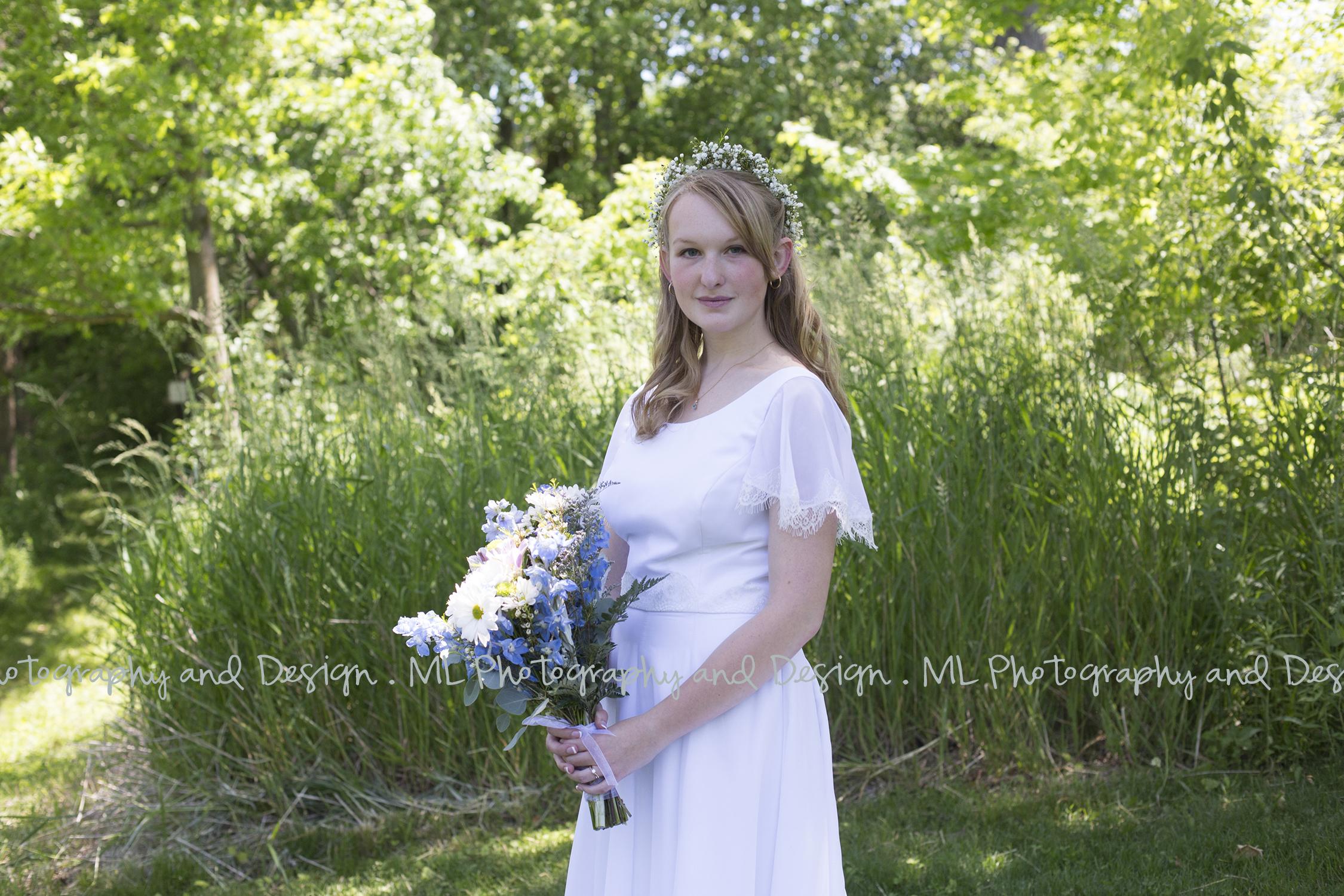 Simply elegant bride!