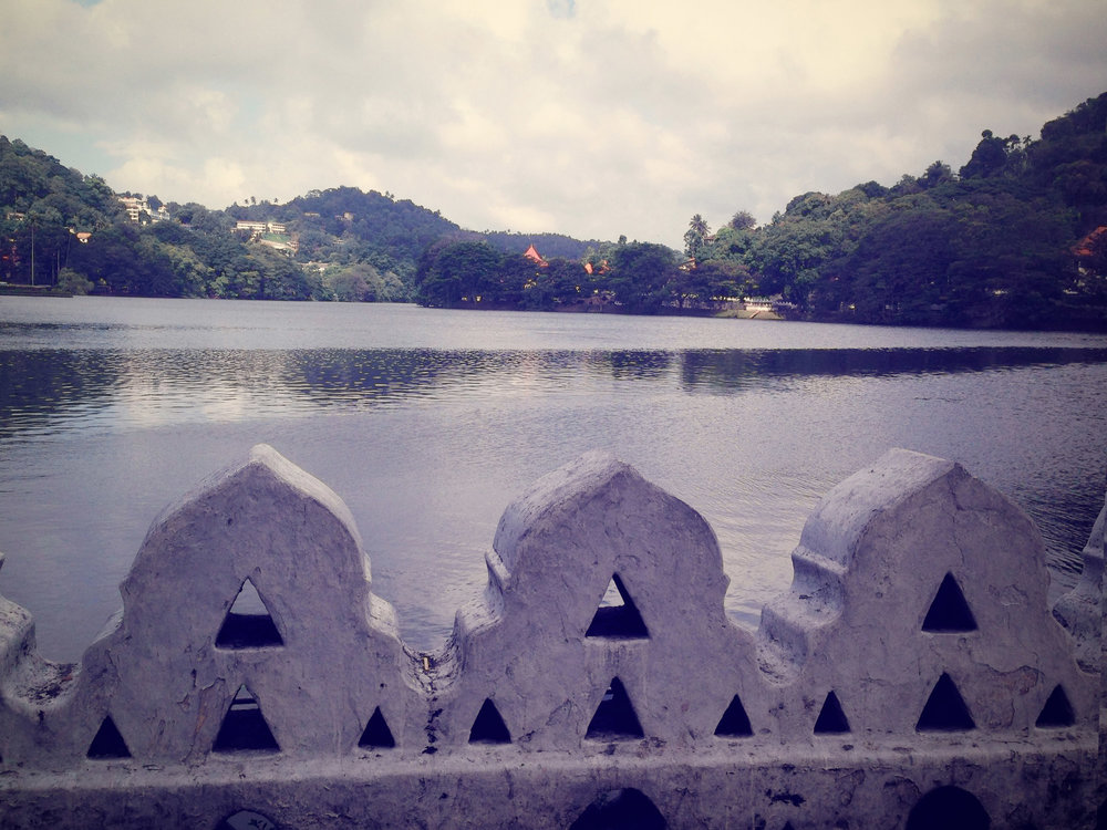 Kandy Lake and a glimpse of the Temple Of The Tooth