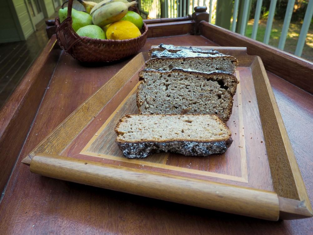Sliced_banana_bread.jpg
