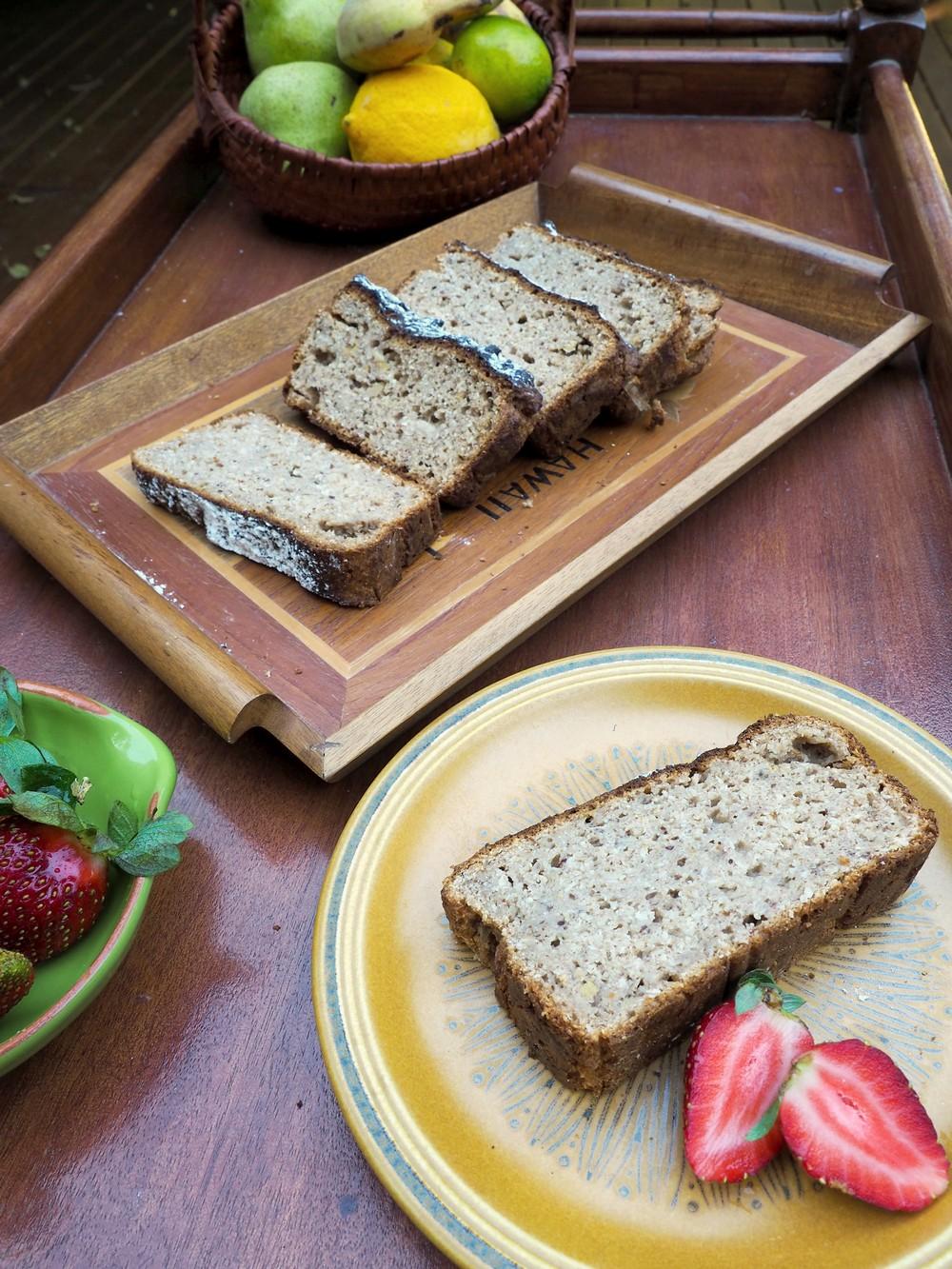 Banana_bread_with_strawberries.jpg