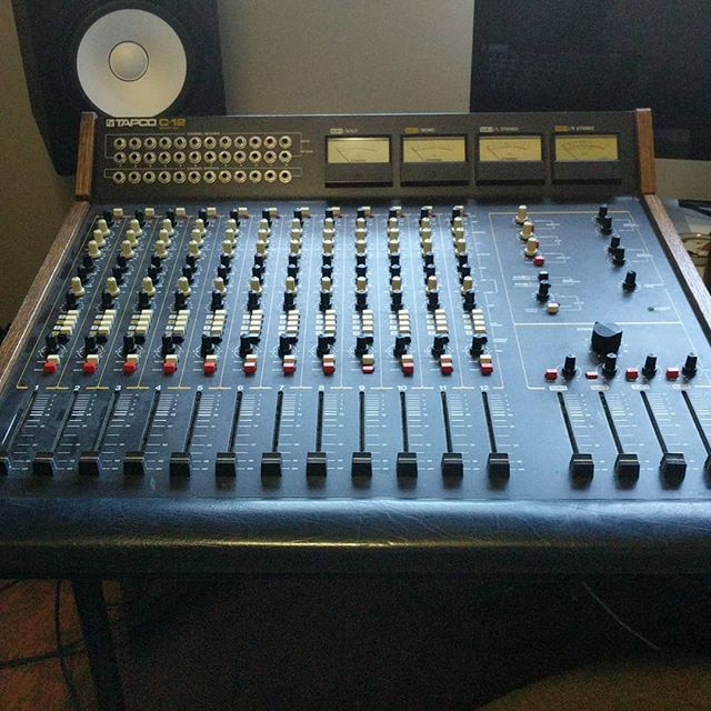 New crunchy baby for the studio- who wants to track some lo-fi goodness?