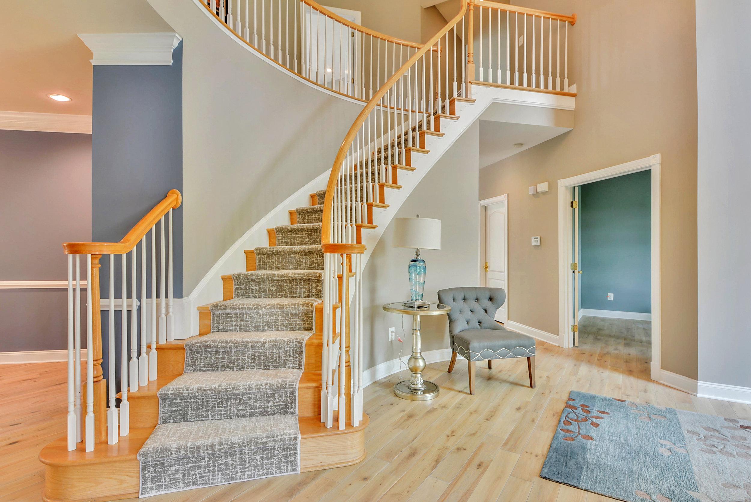 Main Level-Stairs-DSC_0926.JPG