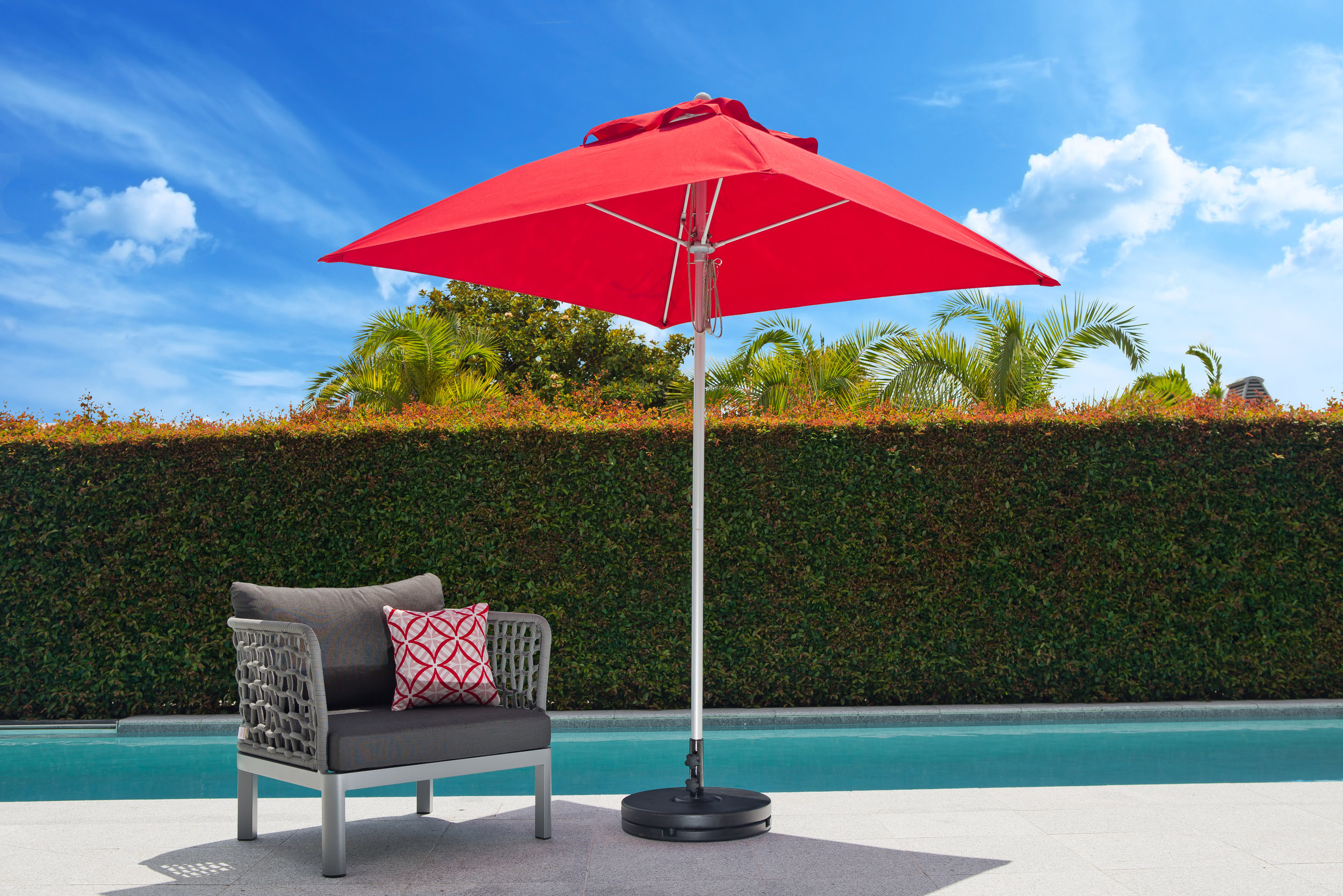 Fibreglass Umbrella 1.9m Squ Red.jpeg