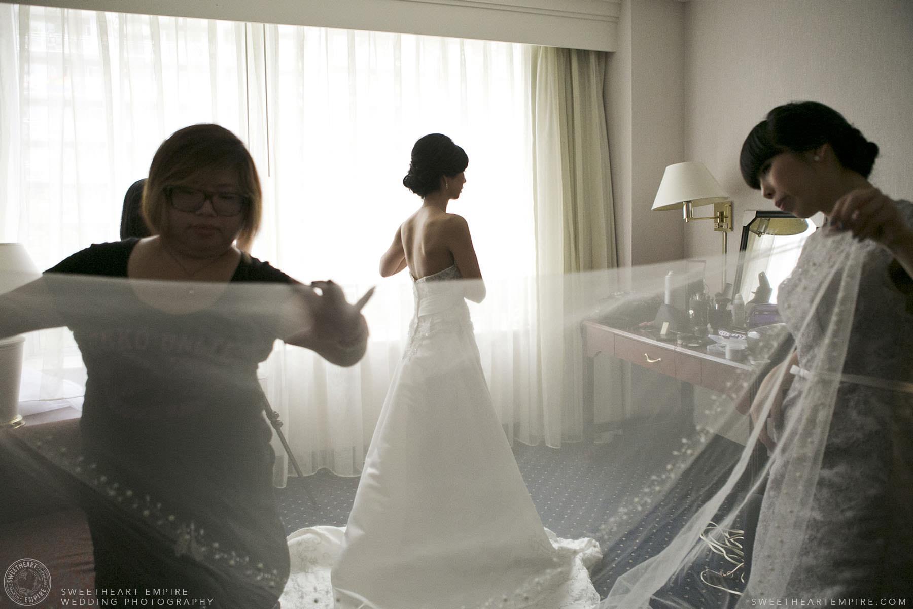 Bride getting ready, Hart House University of Toronto Wedding