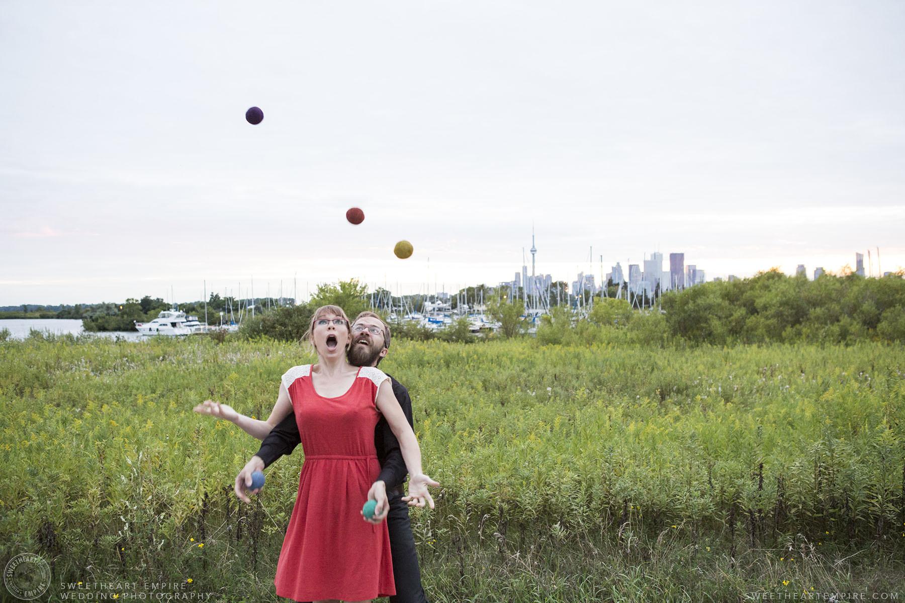 18_Juggling Engagement Photos Leslie Spit.jpg