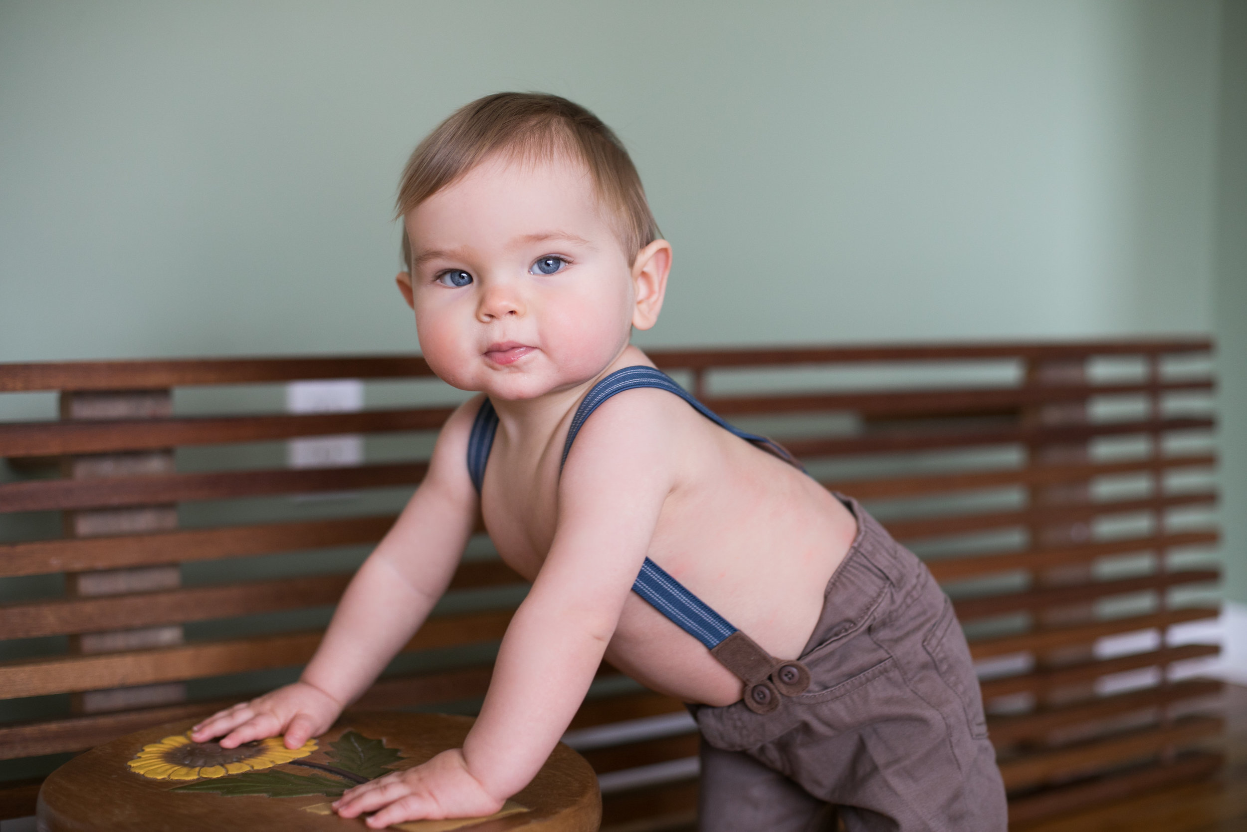 Babyinsuspenders_marylandportraitphotographer.jpg