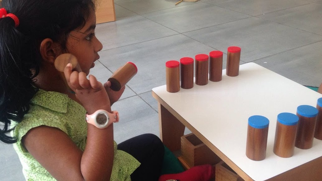 Learning to distinguish sounds with the sound cylinders