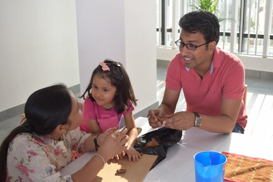 Parent child clay modelling program
